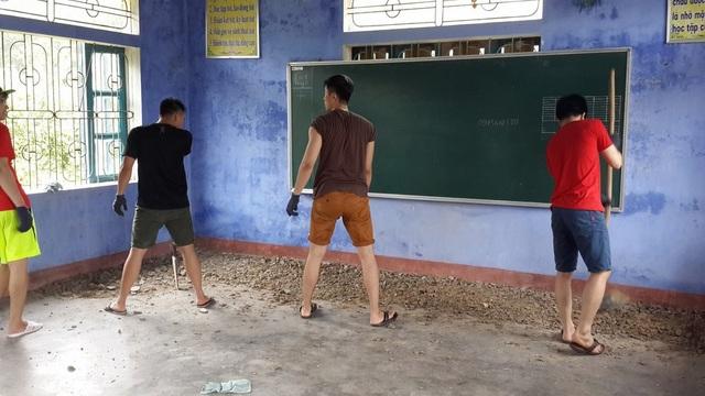 DHS Việt tại Nga về nước xây công trình phụ, tu bổ trường học ở bản Rào Con - 3