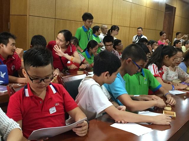 GS Đỗ Đức Thái cho rằng, chương trình Toán của Việt Nam đang có xu hướng dồn kiến thức từ lớp trên xuống lớp dưới khiến các em học sinh vất vả.