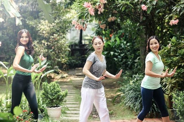 Bí quyết 5 phút trẻ đẹp mỗi ngày của Thanh Hằng, Mỹ Linh - 3
