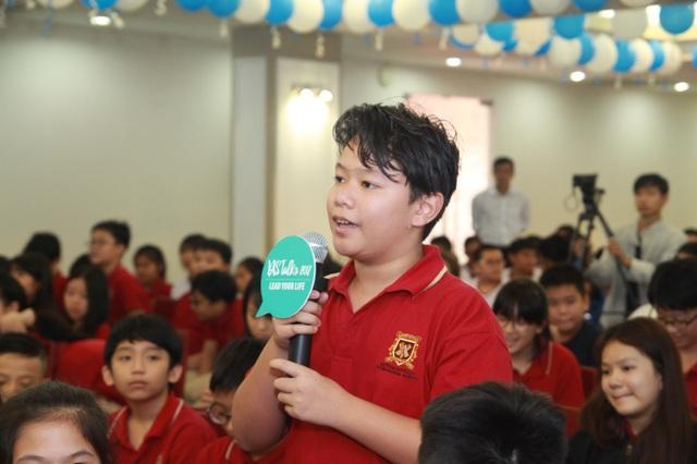 Học sinh VAS hào hứng giao lưu với các diễn giả.