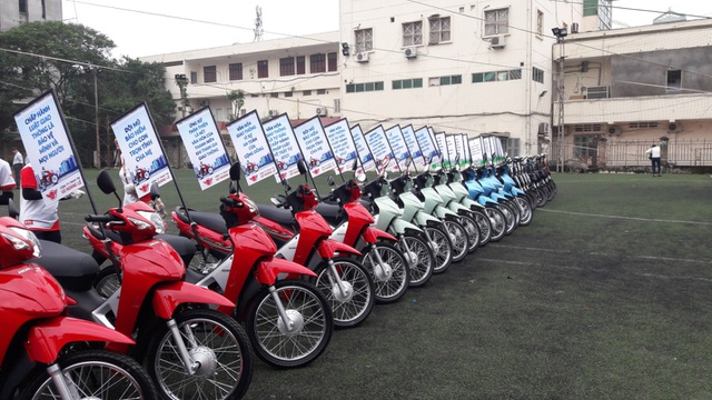Dàn xe được sắp xếp để phục vụ cho buổi lễ ra quân diễn ra thuận lợi