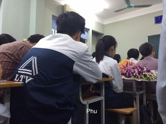 Theo phụ huynh Hương Giang, học sinh ở trường luôn nơm nớp sợ hãi sẽ bị kỷ luật.