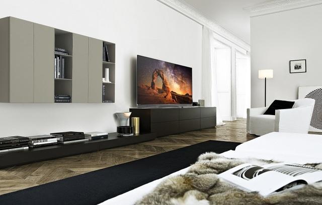 Trước hết phải kể đến sự vượt trội của thế hệ TV OLED so với thế hệ TV LED, đó là khả năng bật, tắt sáng tự động của các điểm ảnh diode giúp tái tạo màu đen hoàn hảo, đem lại độ tương phản, độ sắc nét tối đa. Cũng nhờ công nghệ này, góc xem rộng hơn và dải màu trên từng khung hình cũng rực rỡ và chân thực hơn.