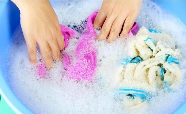 Chú ý chọn loại xà phòng dịu nhẹ, ít chất tẩy để tránh gây kích ứng cho da.