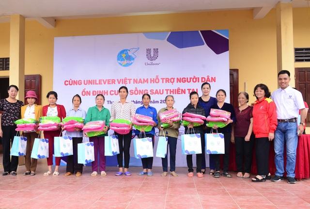 """Chương trình """"Cùng Unilever Việt Nam hỗ trợ người dân ổn định cuộc sống sau thiên tai"""" chính thức khởi động tại xã Thiệu Thành, huyện Thiệu Hóa, tỉnh Thanh Hóa."""