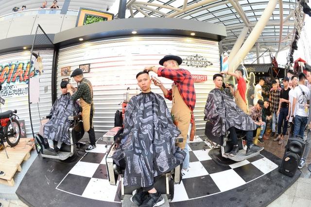 Với tinh thần #VERYSPECIAL, cắt tóc cũng trở thành một sân chơi đầy đam mê của nghệ thuật