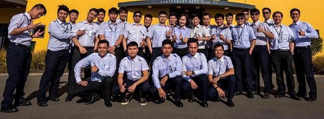 Các học viên phi công của Trung tâm Huấn luyện Bay, Vietnam Airlines đang theo học khóa đào tạo lái máy bay ở nước ngoài.