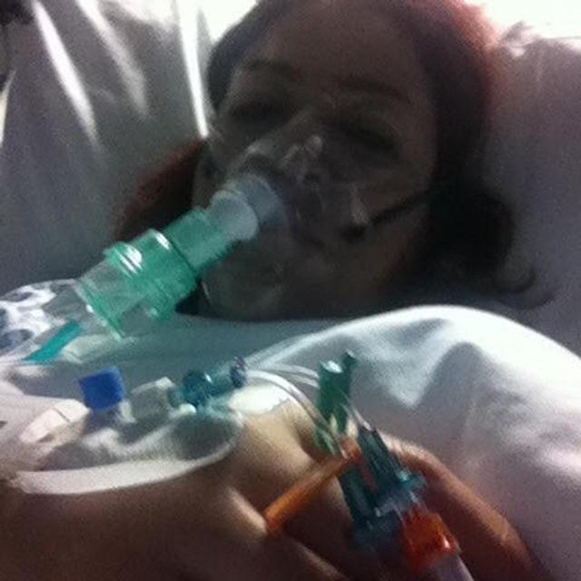 Cô mới trải qua ca phẫu thuật tái tạo ngực trong vòng 8 giờ đồng hồ