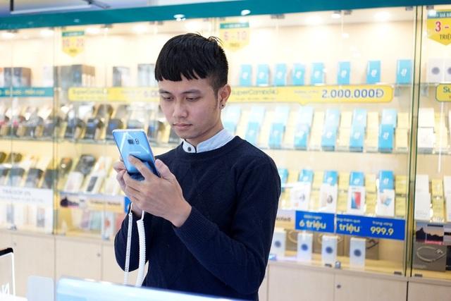 Bạn Nguyễn Mạnh Hùng rất hài lòng khi trải nghiệm Samsung Galaxy Note FE