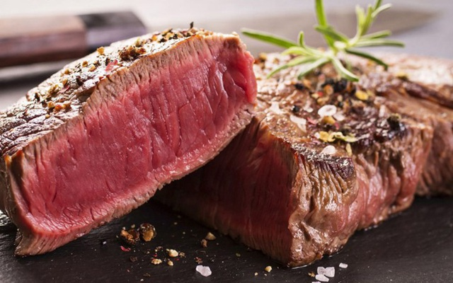 Một suất bò bít tết Wagyu đặc biệt từng được nhà hàng Craftsteak (Mỹ) phục vụ với giá 2800 USD.