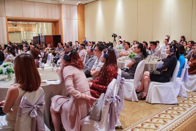 Các chuyên gia thẩm mỹ, bác sĩ Da liễu và các vị đại biểu tham dự Hội thảo