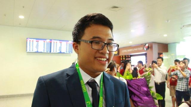 """Nguyễn Cảnh Hoàng phá lời nguyền """"về nhì"""" với HCV Olympic Toán quốc tế 2017."""