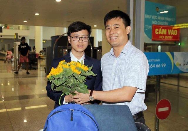 Chàng trai xứ Thanh Dương Tiến Quang Huy (học sinh lớp 12, Trường THPT chuyên Lam Sơn, tỉnh Thanh Hóa) giành HCB.