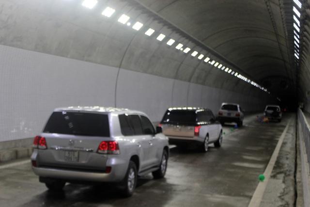 Hầm đường bộ đèo cả được thiết kế theo tiêu chuẩn đường cao tốc với vận tốc 80 km/giờ.