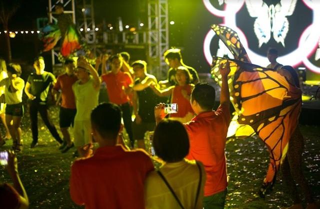 Một Cocobay sắc màu với những bữa tiệc âm thanh và ánh sáng sôi động