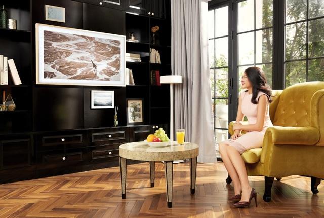 Thiết kế đậm tính nghệ thuật của The Frame – TV Khung Tranh hòa hợp với tính cổ điển của căn phòng