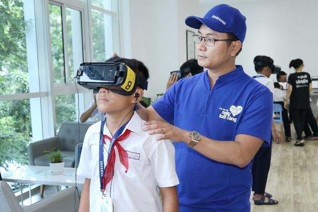 Nhiều bạn trẻ đã được truyền cảm hứng để có ý thức bảo tồn và ấp ủ kế hoạch khám phá các kỳ quan khác sau buổi triển lãm tổ chức tại Không Gian Chia Sẻ S.hub Đà Nẵng.