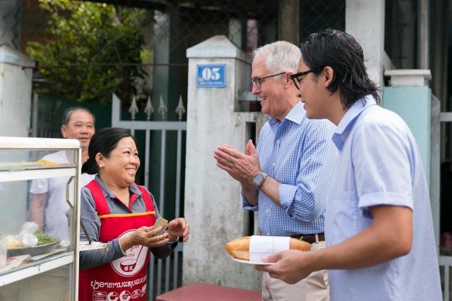 """Thủ tướng Turnbull nói """"Việt Nam là thị trường xuất khẩu các mặt hàng bột mì và thịt bò lớn thứ hai của Úc - với bột mì là thành phần chính chế biến mì sợi và phần lớn bánh mì mà người Việt Nam thưởng thức hàng ngày."""""""