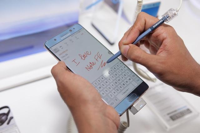 Smartphone cao cấp nào đáng mua nhất hiện nay? - 4