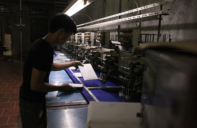 Những năm gần đây, nhiều hộ gia đình nhập máy móc về làm nên các sản phẩm được cắt gọt đẹp hơn và năng suất cao hơn nhiều lần so với làm thủ công