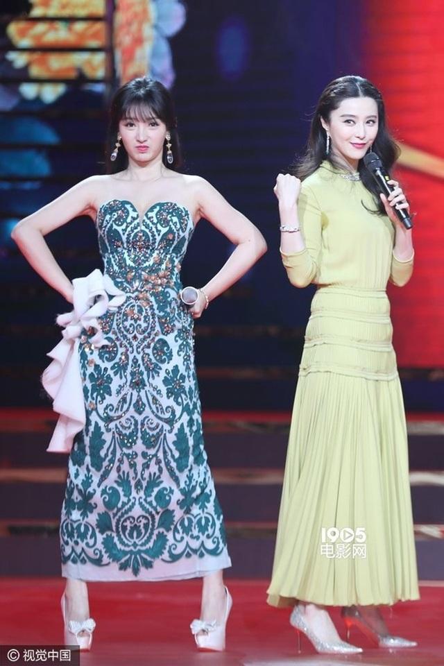 """Thiên thần vòng 1 khiến các mỹ nữ showbiz """"xanh mặt"""" khi dự sự kiện - 15"""
