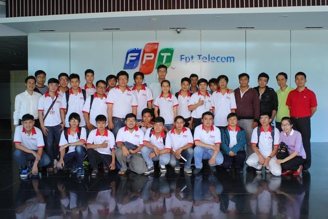 Sinh viên FPT Jetking trong chuyến tham quan Data Center tại FPT Telecom.