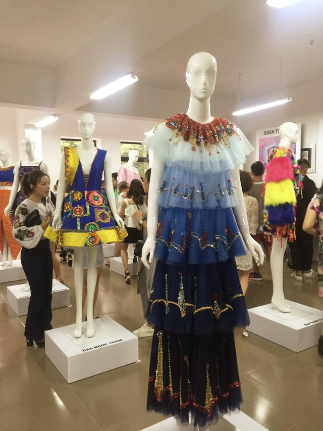 """Thiết kế """"thời trang âm phủ"""" của 9X Hải Dương xinh đẹp - 5"""