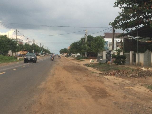 QL 26 qua huyện Ea Kar (Đắk Lắk) được mở rộng bằng Quỹ Bảo trì đường bộ.