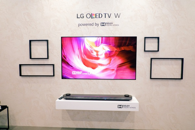 LG W7 – TV OLED mỏng như tờ giấy, có thể dán lên tường tựa như một bức tranh