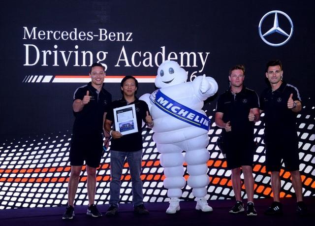 Đếm ngược đến Học viện Lái xe An toàn Mercedes-Benz 2017 - 6