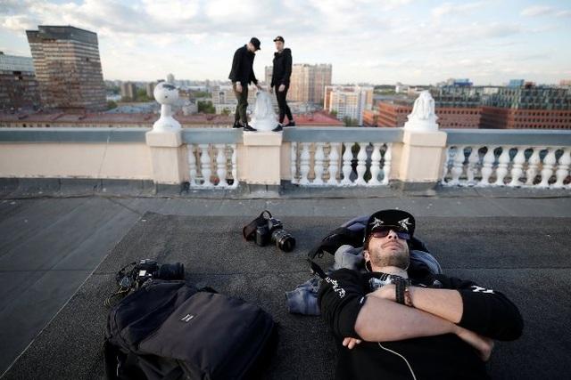 Nhóm nhiếp ảnh gia thách thức luật pháp để có những bức hình hoàn hảo - 6