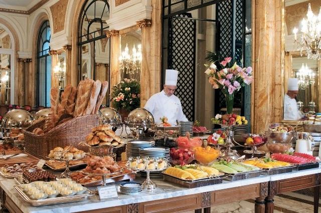 10 khách sạn có bữa ăn sáng muộn ngon nhất thế giới - 7
