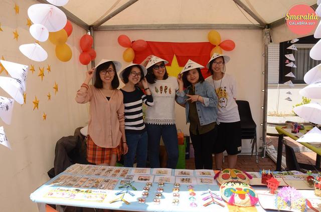 Đồ lưu niệm Việt Nam được bạn bè quốc tế yêu thích.