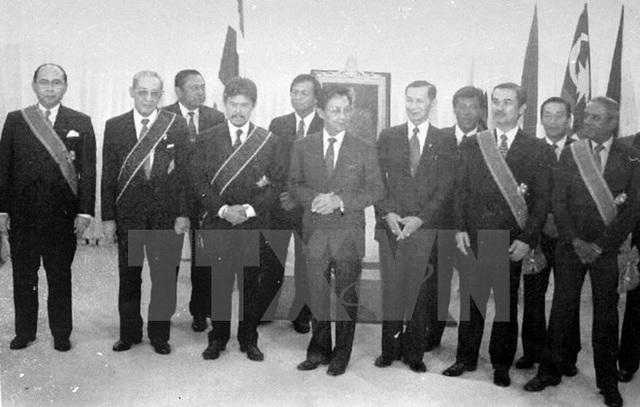 Bộ trưởng Ngoại giao các nước ASEAN tại khoá họp lần thứ 27, tổ chức tại Thủ đô Bangkok, Thái Lan từ 22-28/7/1994. (Ảnh: Tư liệu TTXVN)