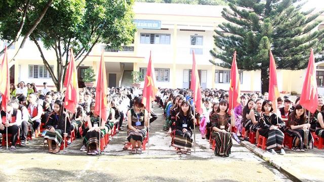 Trường THPT Dân tộc Nội trú Nơ Trang Lơng có tỷ lệ học sinh đậu tốt nghiệp đạt 100%. (Ảnh: Thúy Diễm)