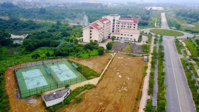Các hạng mục sân chơi giải trí – thể thao trong dự án này còn dang dở.