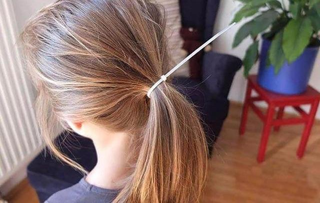 Cha cũng buộc tóc cho con gái lành nghề lắm nhé!