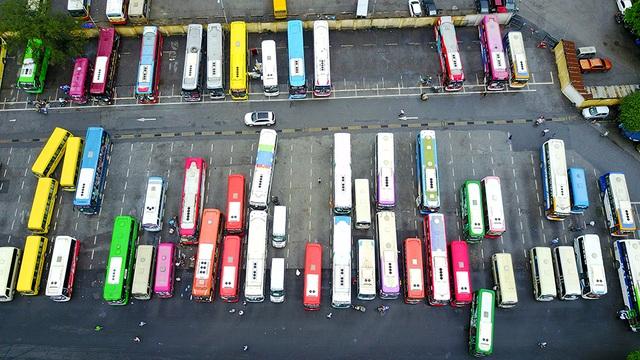 Sở GTVT Hà Nội dự kiến các tuyến xe khách hoạt động ở bến xe Gia Lâm sẽ được chuyển về bến xe Cổ Bi, Đông Anh, Nội Bài và bến xe phía Nam (Ngọc Hồi).