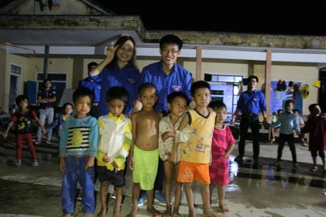 DHS Việt tại Nga về nước xây công trình phụ, tu bổ trường học ở bản Rào Con - 8