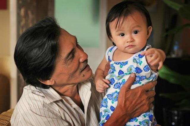 Những nghệ sĩ Việt lên chức bố ở tuổi đáng làm ông - 3