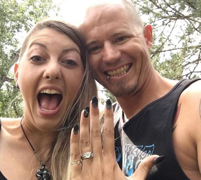 Cặp đôi cá tính đang lên kế hoạch cho ngày cưới