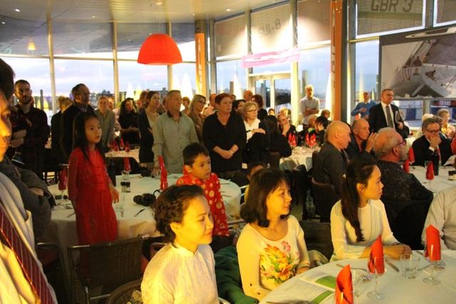 Đêm nhạc trung thu từ thiện của cộng đồng người Việt trẻ tại Lorient - 7