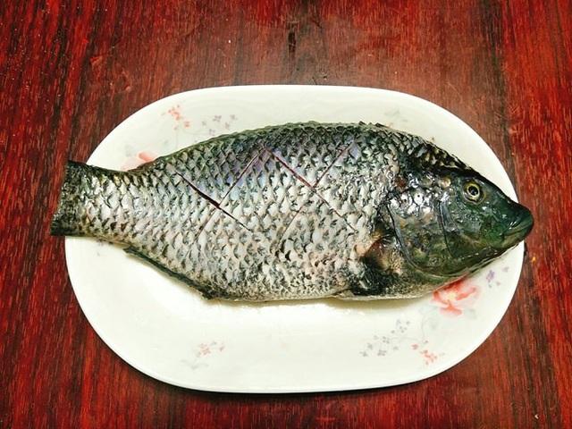 Cá rô phi sốt nước tương đơn giản mà thơm ngon đến nao lòng - 4