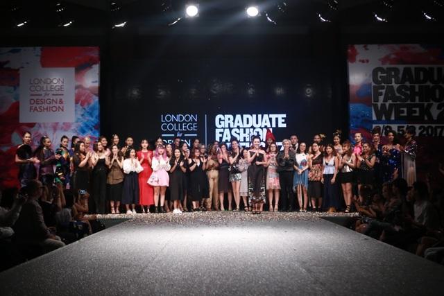 Tuần lễ Thời trang tốt nghiệp 2017 để lại ấn tượng sâu sắc trong lòng cộng đồng đam mê thiết kế sáng tạo và thời trang với các sáng tạo của các Nhà thiết kế tốt nghiệp