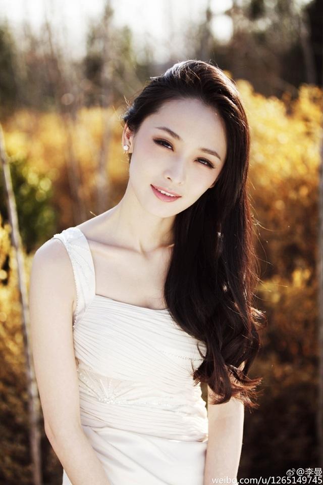 Mỹ nữ siêu vòng một của Trương Nghệ Mưu giờ ra sao? - 10