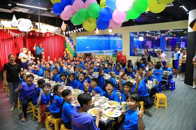 Hy vọng rằng những khoảnh khắc vui chơi với tiNi Share Play Day sẽ là một kỷ niệm đẹp, phần nào bù đắp được những thiếu hụt của tuổi thơ các em