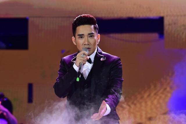 Quang Hà nồng nàn khi hát về Hà Nội.