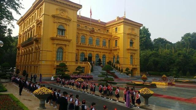Lễ đón chính thức Tổng Bí thư - Chủ tịch Trung Quốc Tập Cận Bình diễn ra tại Phủ Chủ tịch lúc 16h chiều nay (ảnh: Trọng Trinh)
