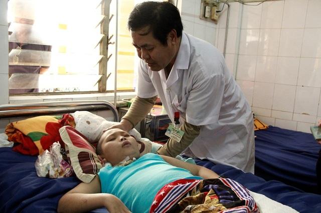 Em Hồ Duy Phước đã có thêm chi phí để chữa trị căn bệnh viêm tủy
