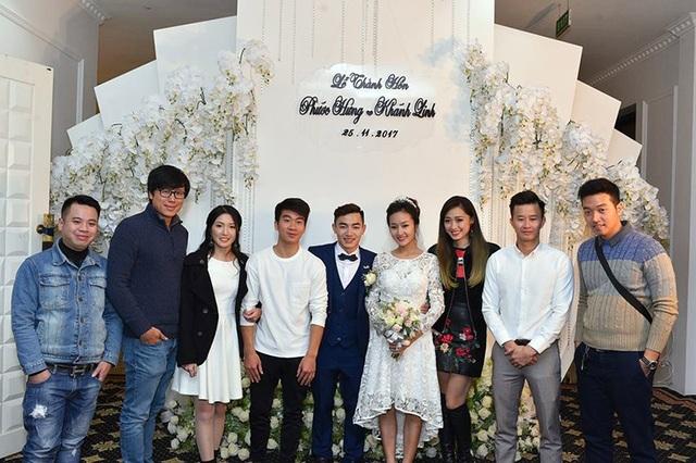 Những người đồng đội của Phước Hưng tại đội tuyển TDDC như Hoàng Cường, Hà Thanh, cựu VĐV Trương Minh Sang và hot girl thể dục nghệ thuật Thu Hà cũnng đến chung vui.
